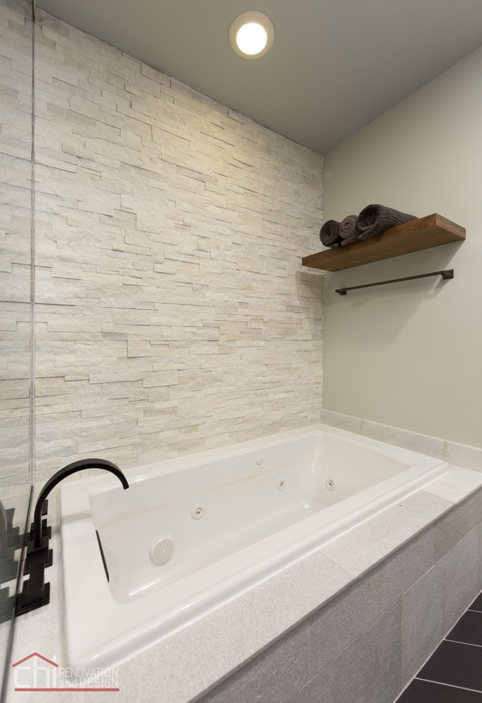 Chicago Loop Condo Bathtub Remodel