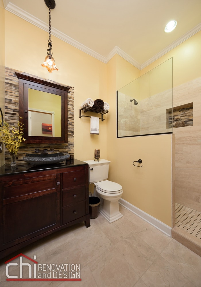 Chicago Old Town Guest Bathroom Interior