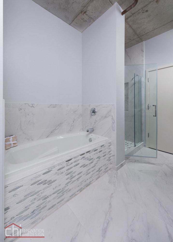 Evanston Loft Bathtub Remodel
