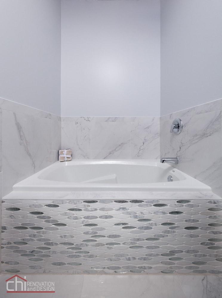 Evanston Loft Bathtub Remodelers
