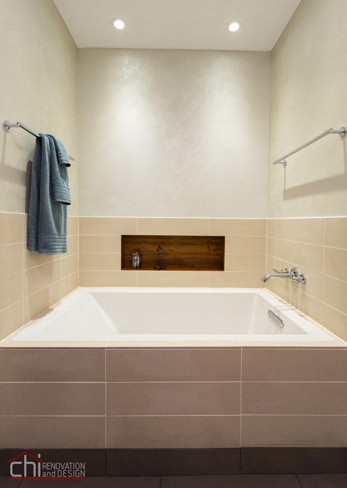 Gold Coast Master Bathtub Remodel