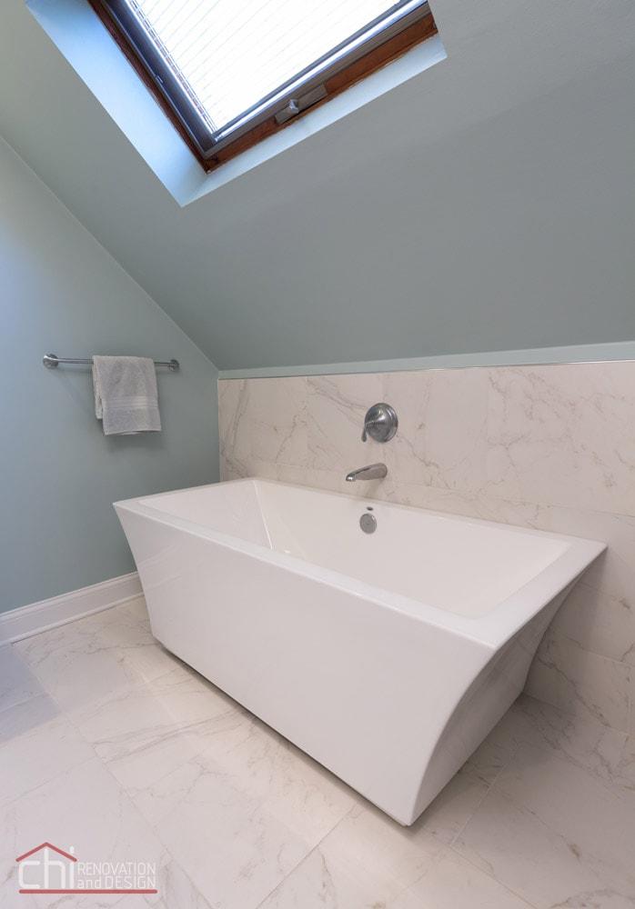 Lakeview Master Bathtub Remodel