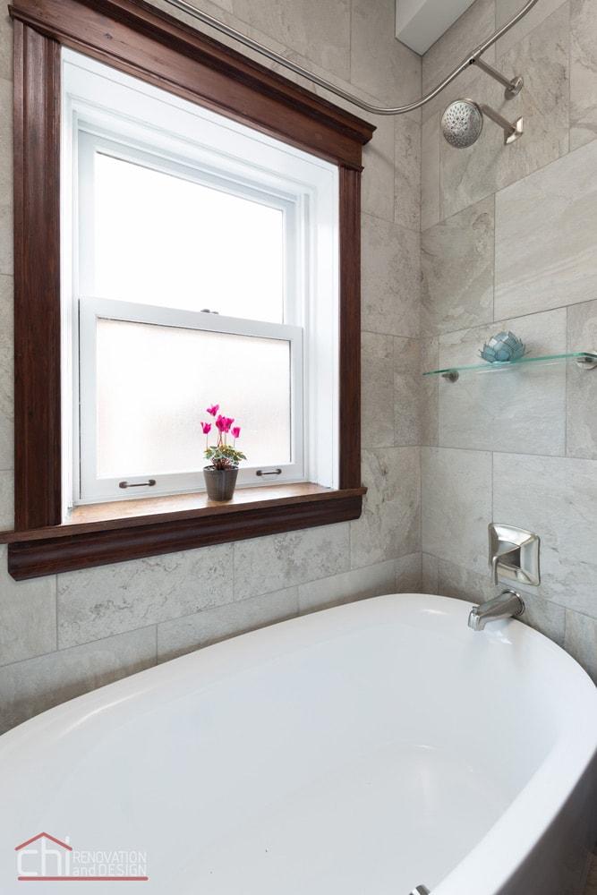 Lincoln Park Bathtub Faucet Remodel