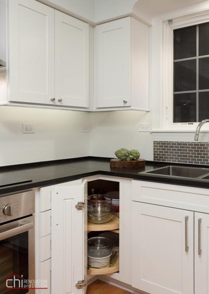 Niles Kitchen - Chi Renovation & Design