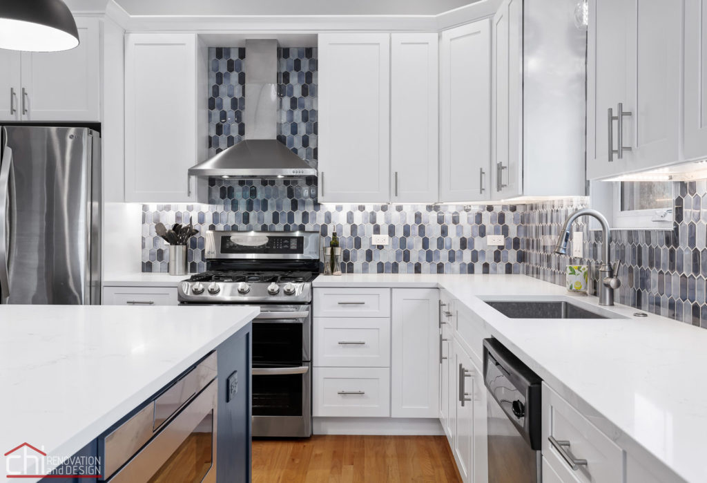 Sleek Modern Chicago Kitchen Sink Remodel