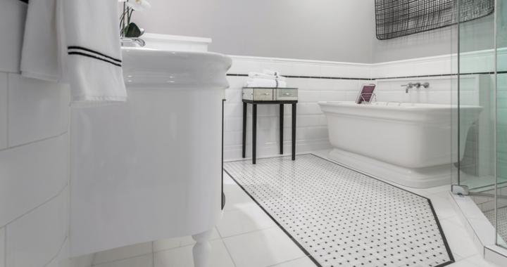 CHI | Chicago Bathroom Floor Trend