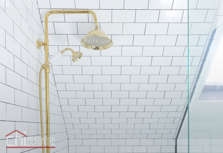 Roscoe Village Shower Head