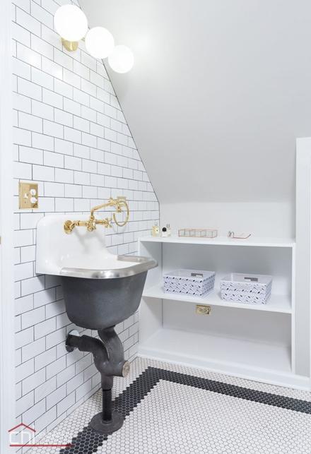 Roscoe Village Attic Space Bathroom Remodel