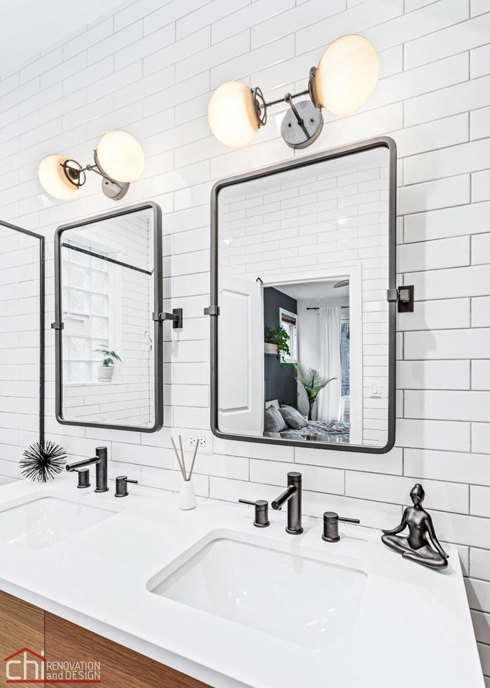 Wicker Park (Chicago) Bathroom by Chi Renovation