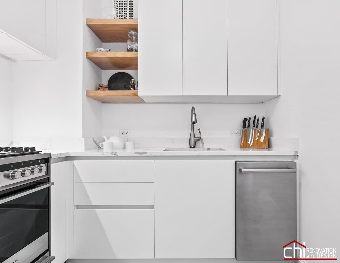 Elegant Chicago White Kitchen Design